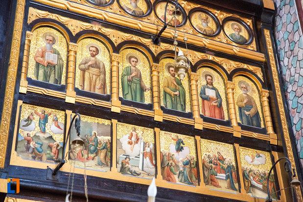 poza-cu-sfintii-din-biserica-ortodaxa-sf-gheorghe-din-mangalia-judetul-constanta.jpg