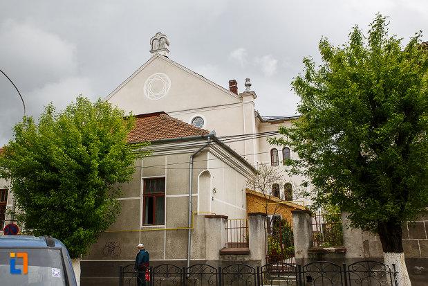 poza-cu-sinagoga-din-deva-judetul-hunedoara.jpg