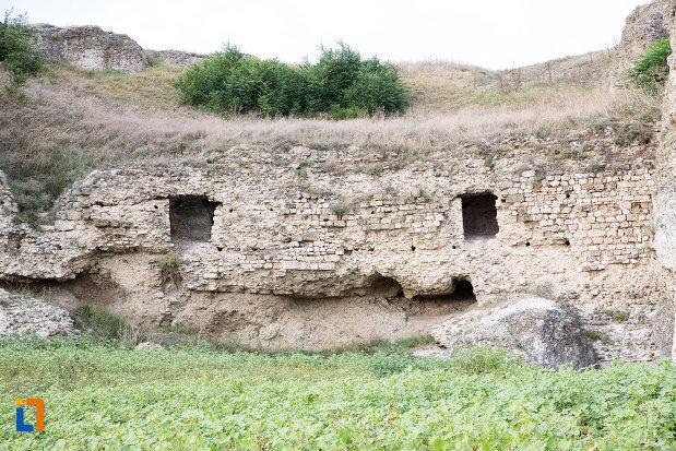 poza-cu-situl-arheologic-cetatea-carsium-din-harsova-judetul-constanta.jpg