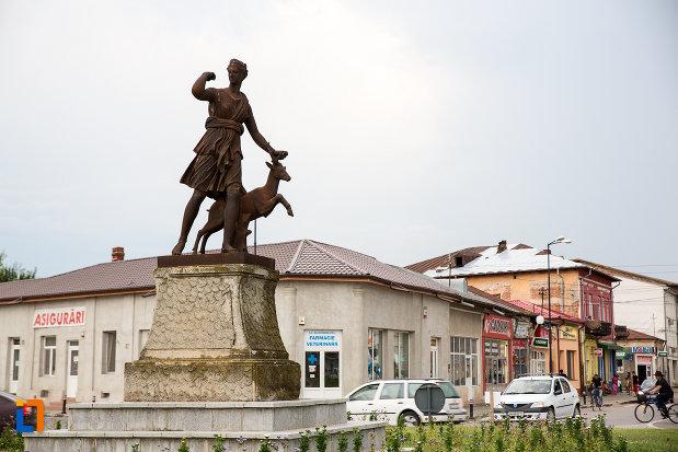 poza-cu-statuia-apollo-belvedere-din-giurgiu-judetul-giurgiu.jpg