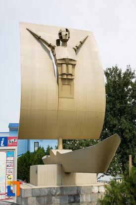 poza-cu-statuia-lui-ulise-din-giurgiu-judetul-giurgiu.jpg