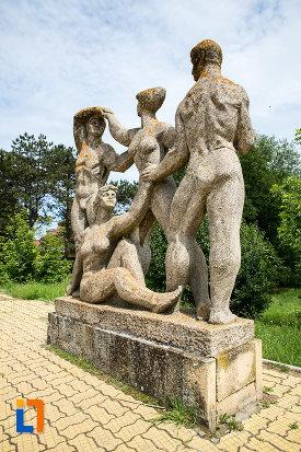 poza-cu-statuie-din-grupul-statuar-din-eforie-nord-judetul-constanta.jpg
