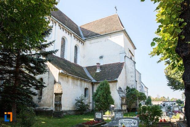 poza-din-spate-cu-biserica-sfantul-bartolomeu-din-brasov-judetul-brasov.jpg
