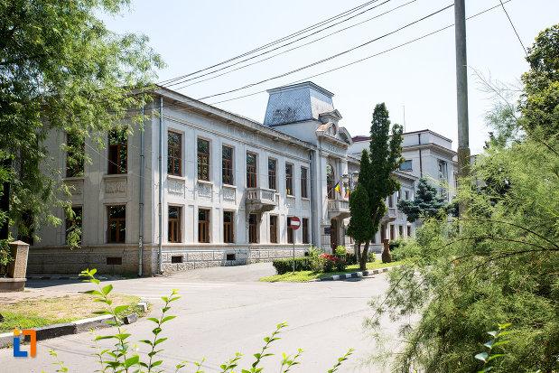 prefectura-azi-muzeul-judetean-teohari-antonescu-din-giurgiu-judetul-giurgiu.jpg
