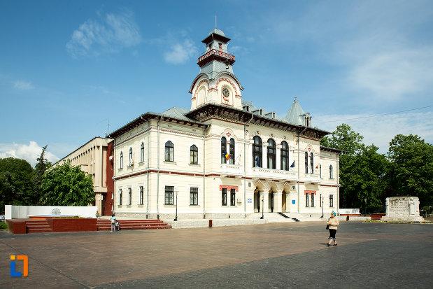 prefectura-judetului-gorj-din-targu-jiu.jpg