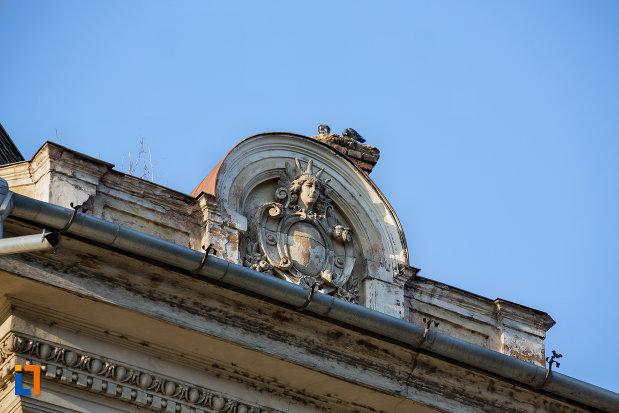 prim-plan-cu-acoperisul-de-la-palatul-berde-din-cluj-napoca-judetul-cluj.jpg