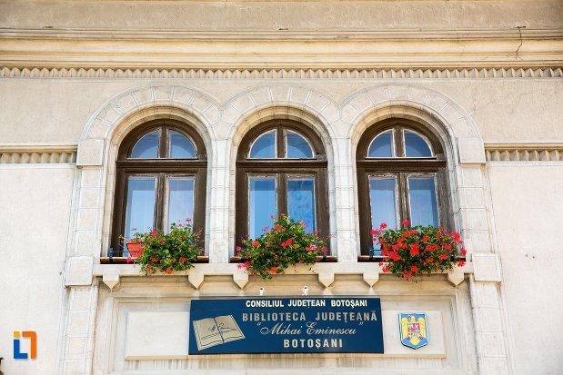 prim-plan-cu-banca-nationala-azi-biblioteca-judeteana-mihai-eminescu-din-botosani-judetul-botosani.jpg