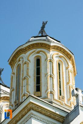 prim-plan-cu-biserica-sf-nicolae-din-calafat-judetul-dolj.jpg