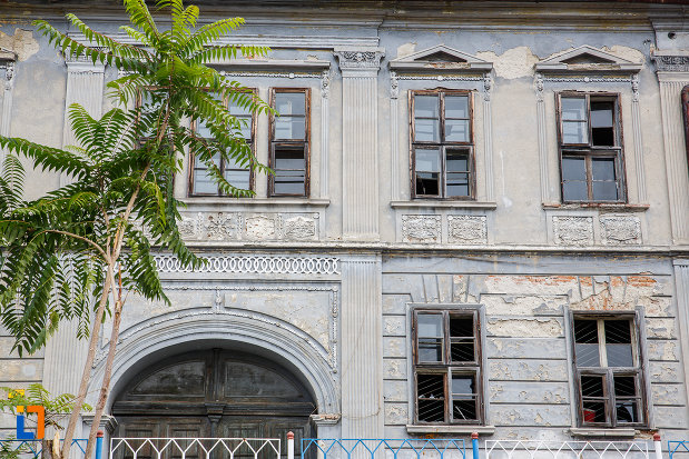 prim-plan-cu-casa-zoppelt-1860-din-medias-judetul-sibiu.jpg