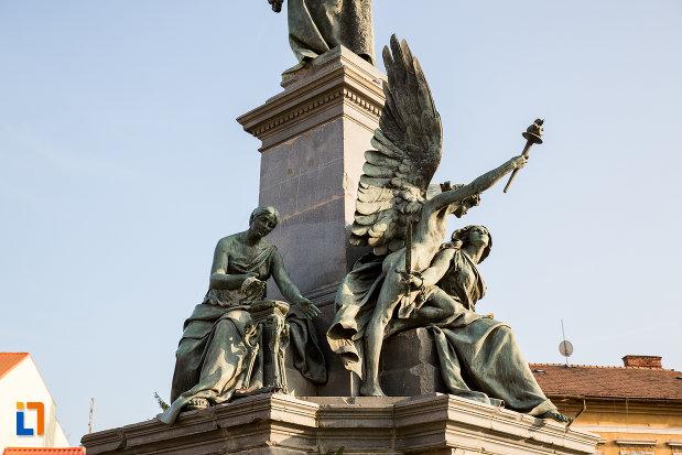prim-plan-cu-monumentul-libertatii-din-arad-judetul-arad.jpg
