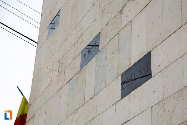 prim-plan-cu-monumentul-rezistentei-anticomuniste-din-cluj-napoca-judetul-cluj.jpg