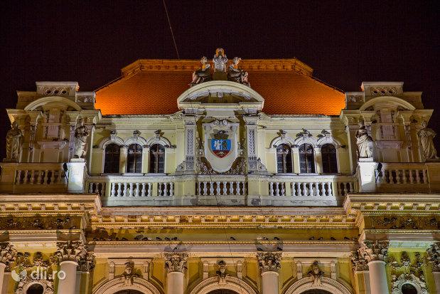 prim-plan-cu-primaria-oradea-judetul-bihor-noaptea.jpg
