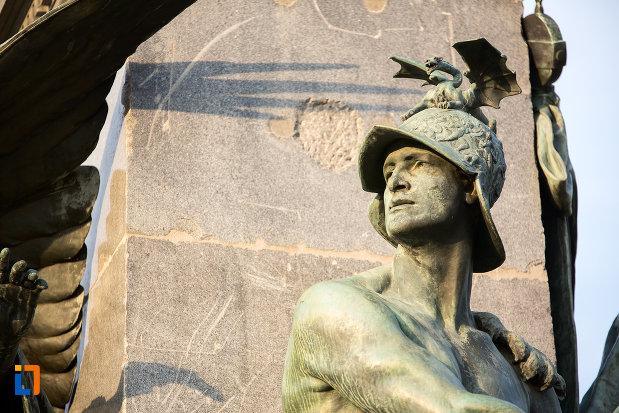 prim-plan-cu-soldatul-de-pe-monumentul-libertatii-din-arad-judetul-arad.jpg