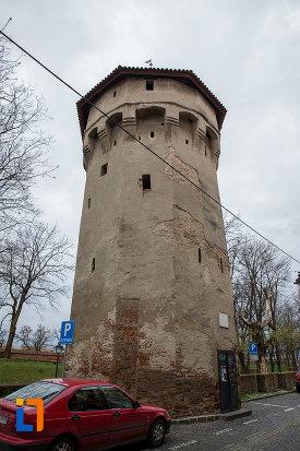 prim-plan-cu-turnul-archebuzierilor-din-sibiu-judetul-sibiu.jpg