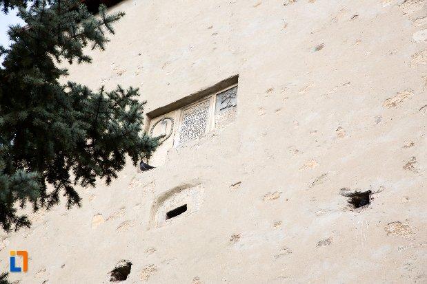 prim-plan-cu-zidul-de-la-cetatea-aiudului-judetul-alba.jpg