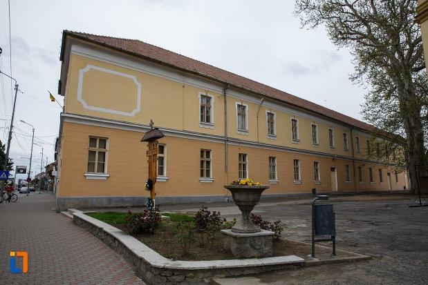 prima-scoala-confesionala-ortodoxa-romaneascu-din-lugoj-judetul-timis.jpg