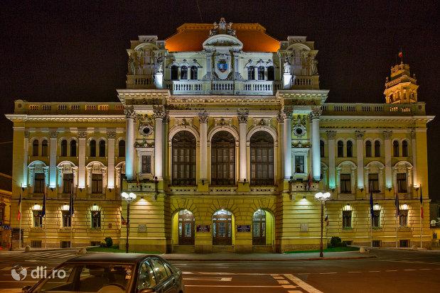 primaria-oradea-judetul-bihor-imagine-de-noapte.jpg