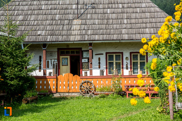 prispa-de-la-muzeul-de-arta-etnografica-ioan-gramada-din-campulung-moldovenesc-judetul-suceava.jpg