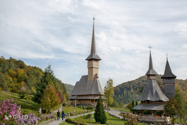 privire-de-ansamblu-cu-manastirea-barsana-judetul-maramures.jpg