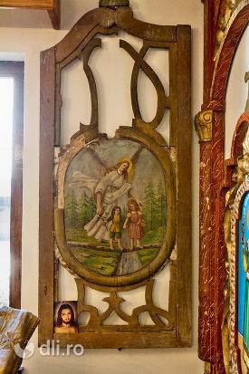 rama-din-lemn-si-icoan-din-muzeul-bisericii-ortodoxe-din-firiza-judetul-maramures.jpg