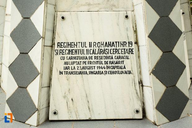 regimentele-comemorate-prin-monumentul-recunostintei-din-caracal-judetul-olt.jpg
