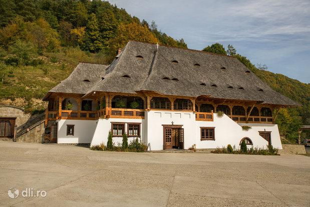 restaurant-langa-manastirea-barsana-judetul-maramures.jpg