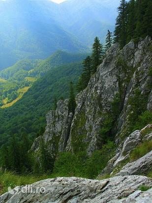 rezervatia-naturala-pietrele-boghii.jpg