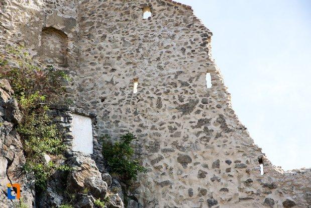 ruina-de-la-cetatea-rupea-judetul-brasov.jpg
