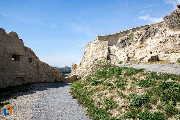 ruine-de-la-cetatea-rupea-judetul-brasov.jpg