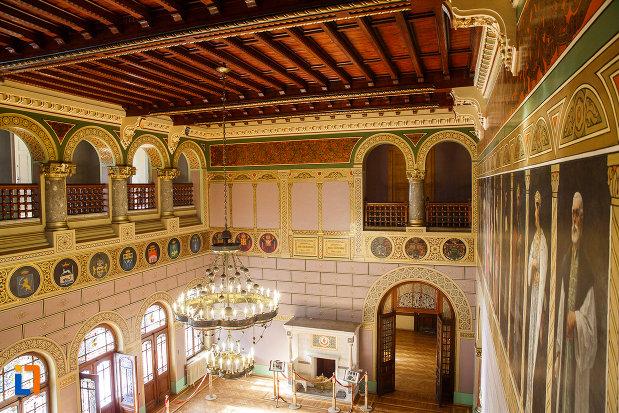salonul-de-zi-vazut-de-sus-castelul-cantacuzino-din-busteni-judetul-prahova.jpg