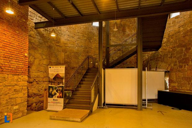 scari-interioare-din-bastionul-croitorilor-din-cluj-napoca-judetul-cluj.jpg