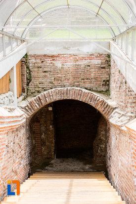 scari-reconditionate-palatul-domnesc-ruine-palatul-petru-cercel-din-targoviste-judetul-dambovita.jpg