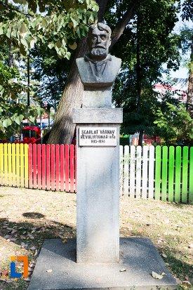 scarlat-varnav-grupul-statuar-din-parcul-mihai-eminescu-din-botosani-judetul-botosani.jpg
