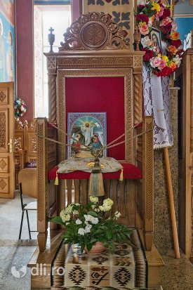 scaun-episcopal-din-catedrala-ortodoxa-din-negresti-oas-judetul-satu-mare.jpg