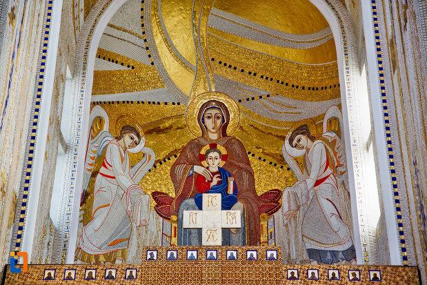 scena-biblica-realizata-din-mozaic-biserica-orthodox-schimbarea-la-fata-din-cluj-napoca-judetul-cluj.jpg