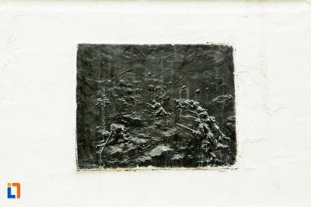 scena-de-lupta-de-la-monumentul-eroilor-cazuti-pentru-patrie-din-beresti-judetul-galati.jpg