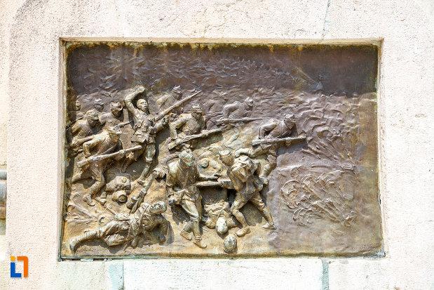 scena-de-lupta-de-pe-monumentul-eroilor-cazuti-in-primul-razboi-mondial-din-alexandria-judetul-teleorman.jpg