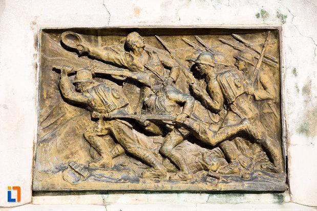 scena-de-lupta-monumentul-eroilor-din-gaesti-judetul-dambovita.jpg