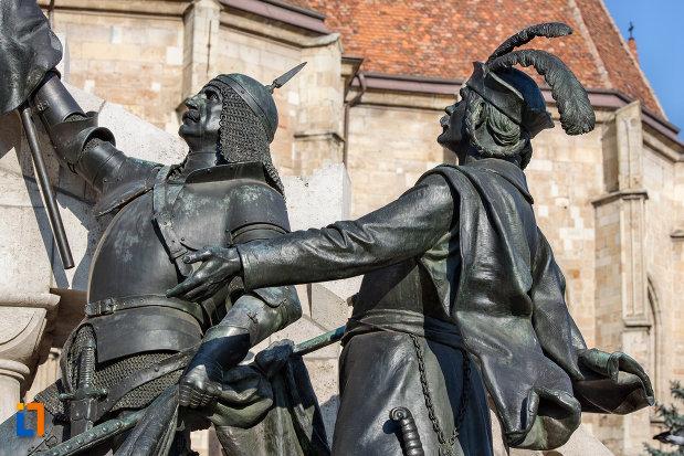 scena-din-ansamblul-statuia-lui-matei-corvin-din-cluj-napoca-judetul-cluj.jpg