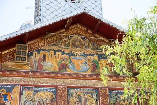 scene-biblice-de-pe-biserica-izvorul-tamadurii-oborul-vechi-din-targoviste-judetul-dambovita.jpg
