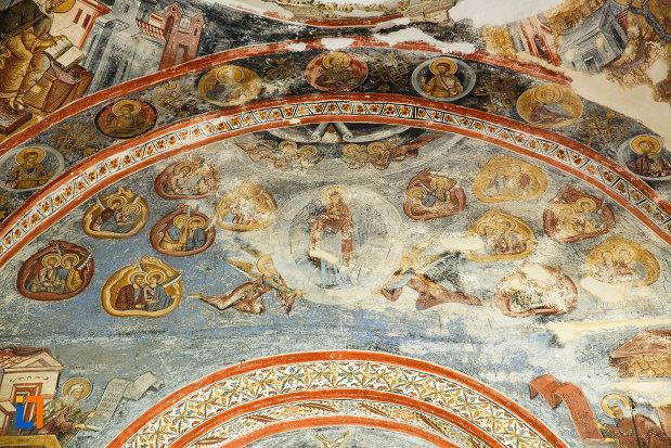 scene-biblice-pictate-in-ansamblul-manastirea-hurezi-din-horezu-judetul-valcea.jpg