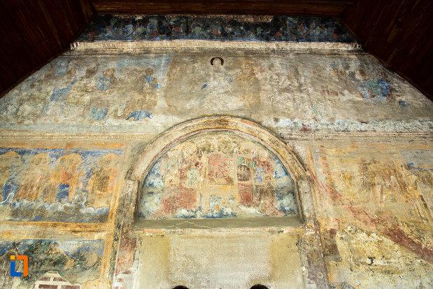 scene-pictate-de-la-manastirea-strehaia-judetul-mehedinti-in-reabilitare.jpg