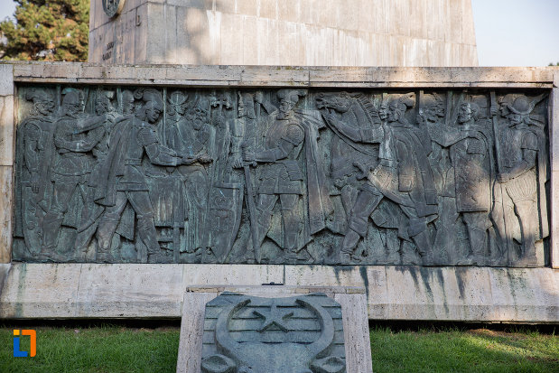 scene-vitejesti-statuia-ecvestra-a-lui-mihai-viteazul-din-cluj-napoca-judetul-cluj.jpg