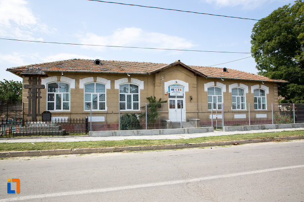 scoala-din-fetesti-1873-judetul-ialomita.jpg