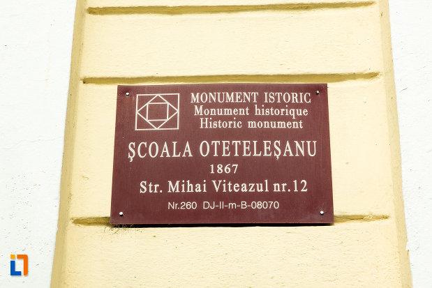 scoala-otetelesanu-din-craiova-judetul-dolj-monument-istoric.jpg
