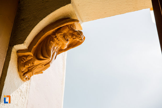 sculptura-de-la-biserica-romano-catolica-din-steierdorf-judetul-caras-severin.jpg