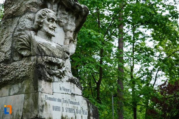 sculptura-de-la-monumentul-lui-barbu-stirbei-din-ramnicu-valcea-judetul-valcea.jpg