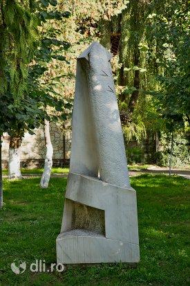 sculptura-decorativa-din-orasul-negresti-oas-judetul-satu-mare.jpg