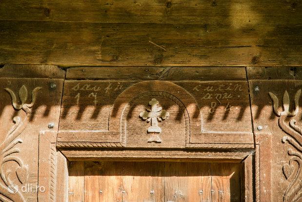 sculptura-in-lemn-biserica-de-lemn-din-calinesti-judetul-maramures.jpg