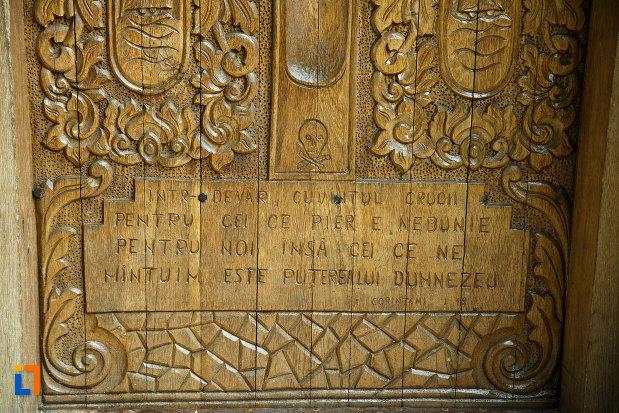 sculptura-in-lemn-biserica-nasterea-maicii-domnului-din-odobesti-judetul-vrancea.jpg